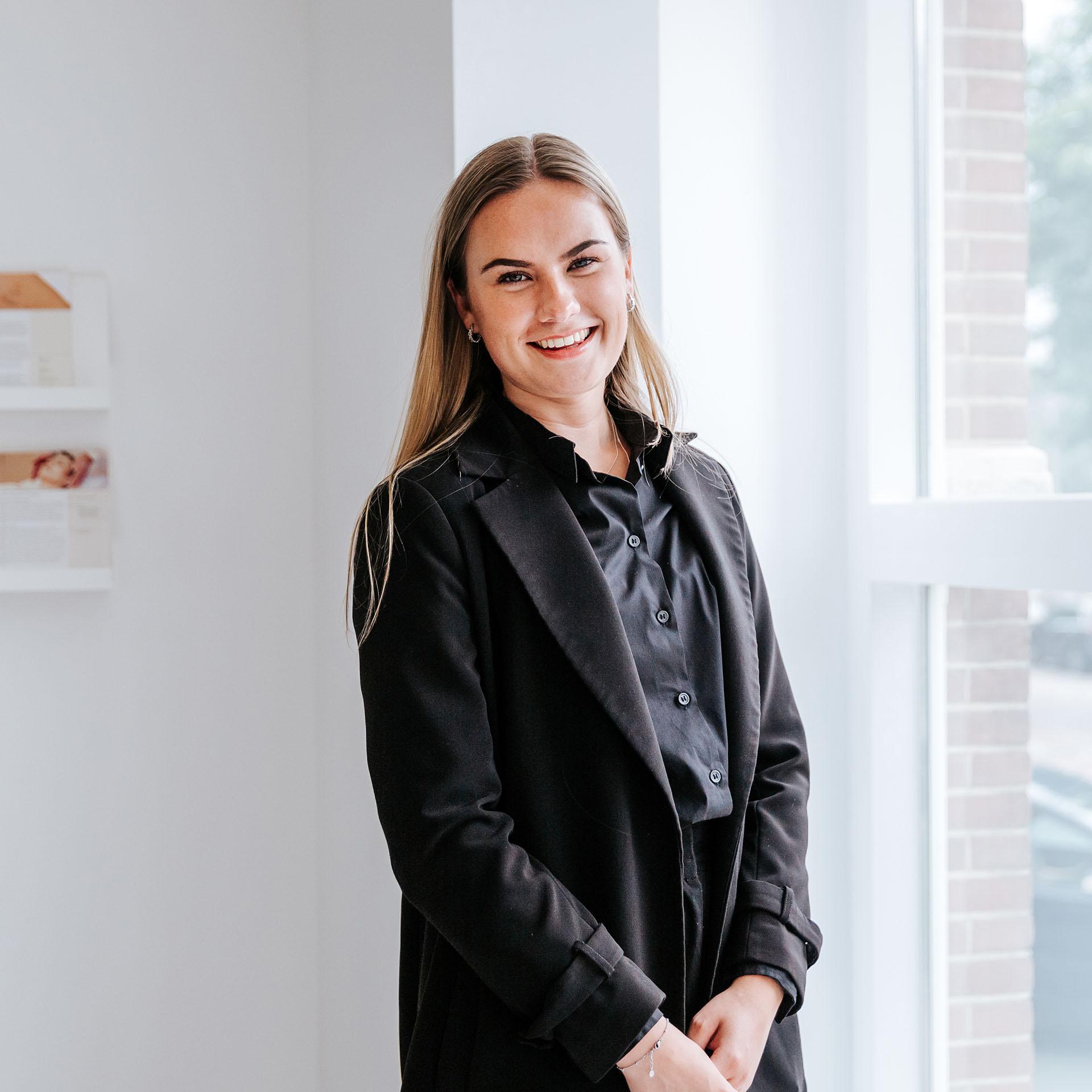 Pure-Clinics-Britt-van-Weelden-receptioniste